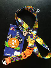 Disney Parks Mickey Mouse Halloween Party Lanyard Metal Medallion Pumpkin GLOWS