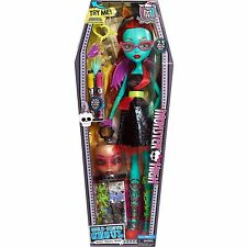 "Monster High 28"" Voltageous Ghoul Friend * Monster High Doll * Green face Dolls"