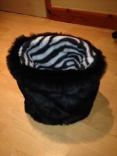 CHIHUAHUA DOG PET BED BLACK FAUX FUR PUPPY POCKET SNUGGLE SACK ����