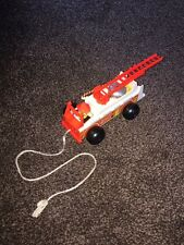 VINTAGE 1968 FISHER PRICE WOODEN/PLASTIC FIRE ENGINE PULL ALONG