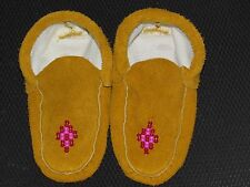 NATIVE AMERICAN BEADED MOCCASINS 6 1/2 INCHES  EYEFUL BEADED DIAMOND VAMP LINED