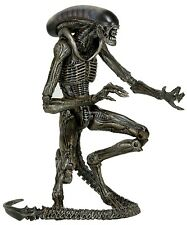 "Aliens - 7"" Scale Action Figure - Series 8 - Dog Alien (Grey Variant) - NECA"