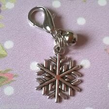 Snowflake Charm With Bell - Dog Cat Pet Collar Bag Purse Zipper Pull