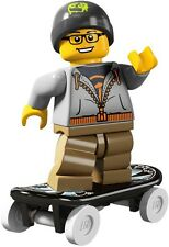 Lego Minifigures 8804 Series 4 Street Skater Brand New in Factory Sealed Packet