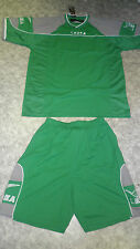 TOP !  14 Trikot-Sets (Trikot+Hose) PODIO  v. LEGEA  grün/grau  2XL