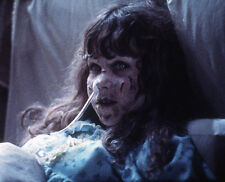 Linda Blair UNSIGNED photo - 1371 - The Exorcist