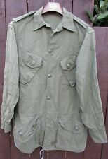 Canadian Army shirt-coat man's combat of 1968
