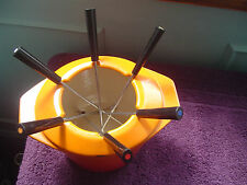 Le Creuset Fondue Dish with Rare Collar and Skewers