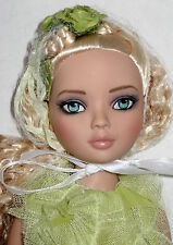 Beautiful Sweetly Sullen Ellowyne doll removed from box LE 1000