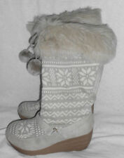 """Red Camel Boots Size 7 M Calf 2.75"""" Heel Grey Geometric & Snowflakes Faux Fur"""