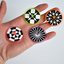 4pcs mini plastic Spin Top with optical illusions graphic, Science Fun Spinner
