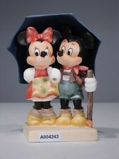 +# A004243 Goebel Archiv Muster Disney Micky Minnie unter Schirm 17-339 Limited