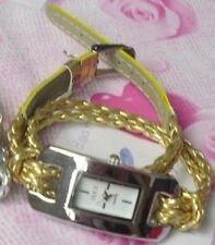 Montre Bracelet Femme Aiguilles Dorée Neuve
