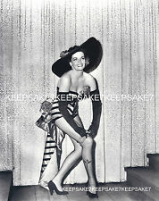 SEXY JANE RUSSELL VERY NICE LEGGY BIG HAT 8 X 10 PHOTO A-JR16