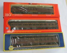A lot of 3 cars  :HO IHC  #2719 ,Rivarossi 2674, Rivarossi 1920 Diner car AS IS