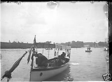 Portrait hommes sur bateau fleuve - négatif photo verre plaque - deb. XXe s.