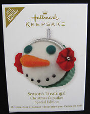 2012 Hallmark CHRISTMAS CUPCAKES Ornament SEASON'S TREATINGS Snowman *Priority