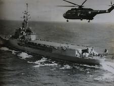 Photo de presse vintage AFP Porte-Hélicoptères La résolue avec super-frelon 1963