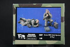 ZA727 1/35 VERLINDEN PRODUCTIONS 1537  GERMAN WWII RADIO OPERATORS 2 FIGURINES