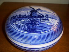 DELFT ROUND COVERED BOWL W/ WINDMILL signed MESLA ZENITH HOLLAND #62