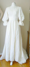 VINTAGE ILGWU LACE PEARLS LINED IVORY LONG TRAIN WEDDING DRESS GOWN FORMAL