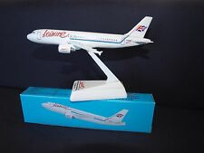 Leisure International Airways Airbus A320 Push Fit Model 1:200 Scale