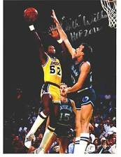 Los Angeles Lakers Jamaal Wilkes signed 8 1/2 x 11 picture (light signature)