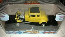 1932 Deuce Coupe Yellow American Graffiti 1:18 MotorMax 73172