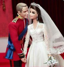 NRFB PRINCESS KATE AND WILLIAM GOLD ADDITION