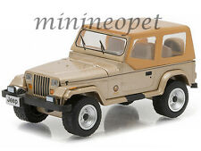 GREENLIGHT 29815 HOBBY EXCLUSIVE 1993 JEEP WRANGLER SAHARA 1/64 DIECAST CAR GOLD