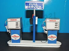 CHEVRON  Service Station Gas Pump Island(Ready to Display) 1:18-1:24 Scale NWB