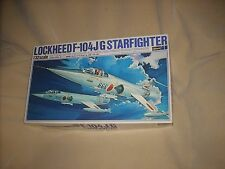 LOCKHEED F-104 J/G STARFIGHTER, BIG 1/32, SEALED INSIDE, OLD, VERY NICE !!