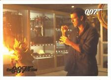 James Bond Archives 2014 - 067 Tomorrow Never Dies Gold Parallel Card #076/125