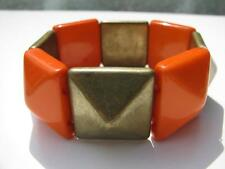 VINTAGE DECO RETRO ORANGE LUCITE BRASS PYRAMID BEADS ELASTIC STRETCH BRACELET