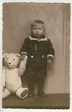 LITTLE SAILOR BOY & BIG WHITE TEDDY BEAR / MATROSEN JUNGE BÄR * Vintage 20s RPPC