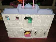 Fisher Price Sweet Streets Village~Care Time Hospital~Accessories~NEW Babies IP