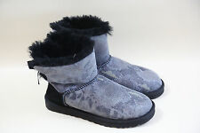 #21 UGG Bow Low Boots Size 6