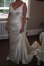 """""""Alice"""" by Pronovias Wedding Dress size 10-12"""