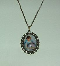 LARGE GLASS CAMEO GIRL WITH FEATHER FAN VICTORIAN STYLE DARK GOLD PLATED PENDANT
