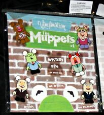 DISNEY Booster Pins Set Vinylmation Muppets 1 + Mystery chaser Pin  - NEW
