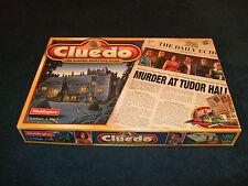 Cluedo-asesinato en Tudor Hall el clásico detective Boardgame por Waddingtons 2000