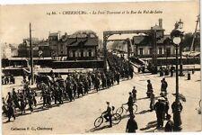 CPA  Cherbourg - Le Pont Tournant et la Rue du Val-de-Saire   (246034)