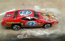 NEW LUCKY CHARMS #43 SALUTE TO PETTY 1971 PLYMOUTH GTX HOT WHEELS 1:64