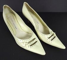 Marc Jacobs Womens Shoes Size 8 US 38.5 EUR Ivory Pumps 2 Inch Heels Italy Made