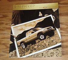 Original 2000 Chevrolet Truck S-10 Pickup Deluxe Sales Brochure 00 Chevy