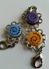 "Kameleon Jewel Pop Charm Holder Zipper Pull ""KZP1""Daisy Shaped (2) NEW!"