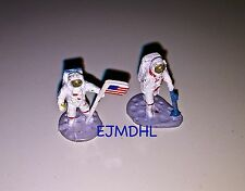 2 Astronauts Micro Machines HO Scale Gauge People Astronaut NASA Aeronautics