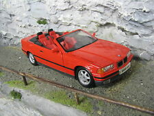 Maisto BMW 325i Convertible 1993 1:18 Red