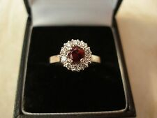 18 CARAT GOLD RUBY & DIAMOND SET CLUSTER RING MADE IN ENGLAND BEAUTIFUL