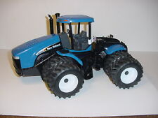 1/16 HUGE New Holland TJ450 Tractor W/Duals W/Box!